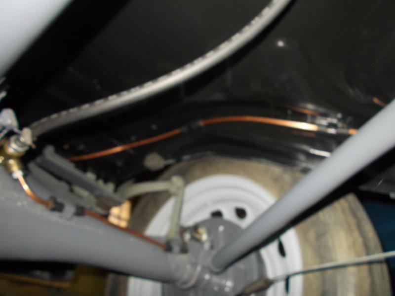 Mon montage à l'echelle 1 ,  Renault Juvaquatre 1954 - Page 3 Remont18