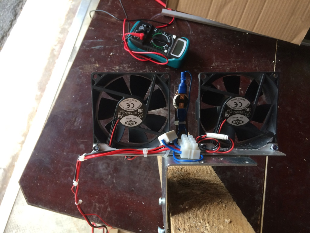 Ventillation moteur du frigo Img_4616