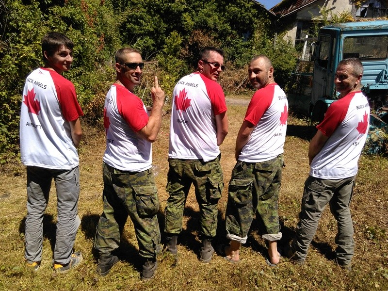 Livraison des tee-shirts blackangels  Img_2013