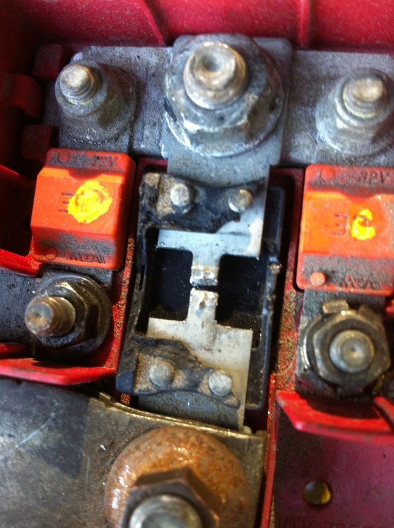 aide pour reparation du cable de la batterie negatif casser Img_3117