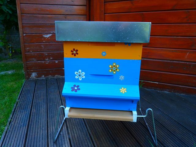 Abeilles, ruches et jardins P1040710