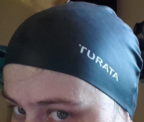 TURATA - Badekappe Logo11
