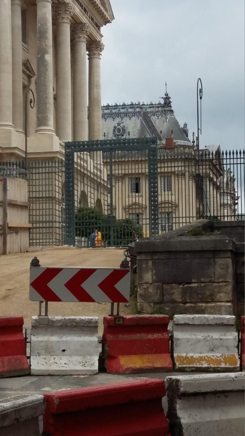 Cour des ministres, avant-cour ou Cour d'honneur  20160644