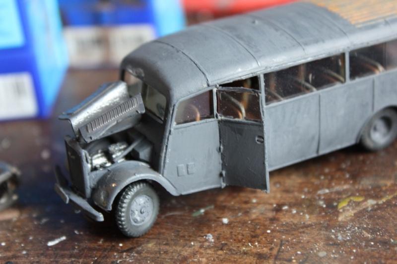 [roden] Opel Blitz Omnibus 3-6-47   1/72 Thumb_60
