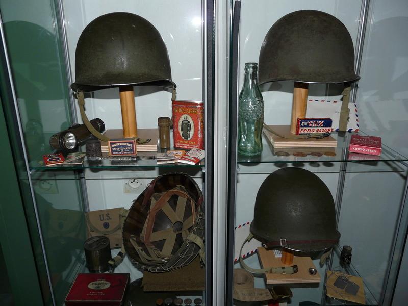 US WW2, casque+mannequin  P1150412