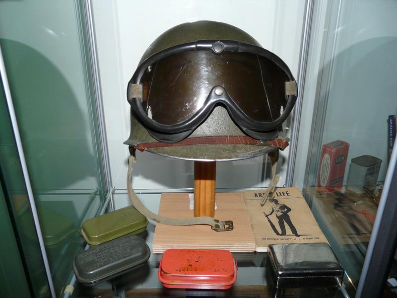 US WW2, casque+mannequin  P1150413