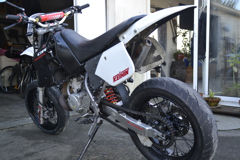 La moto de crakinos futur projet crf _dsc0411