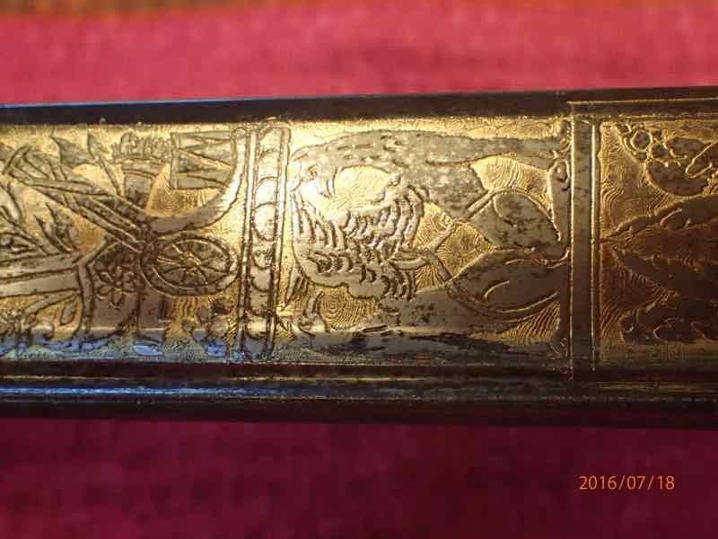 curieux sabre de KLINGENTHAL lame en damas P7180234