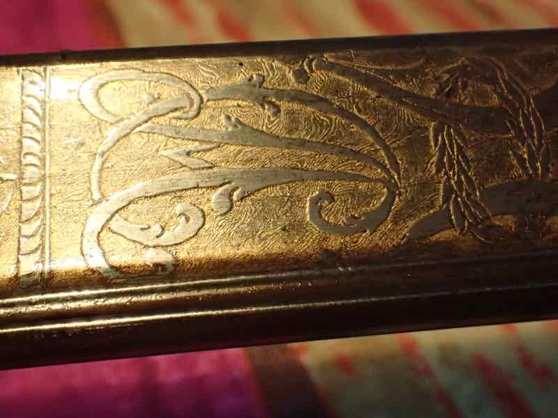 curieux sabre de KLINGENTHAL lame en damas P7180256