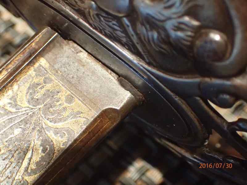 curieux sabre de KLINGENTHAL lame en damas - Page 2 P7300213