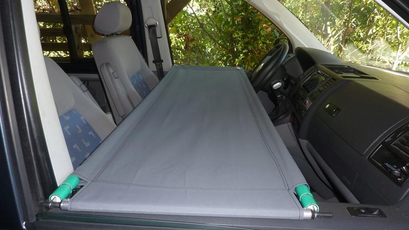 vendu - Vends lit enfant cabine P1150918