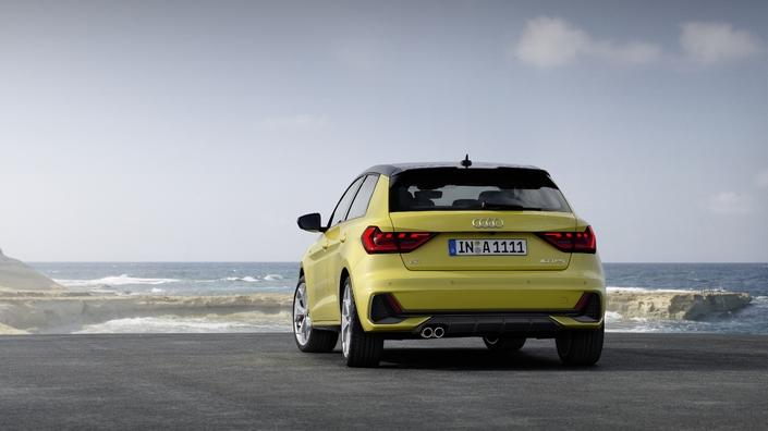 FIA va adorer les nouveaux logos de puissance de la new Audi A1..... S1-pre10