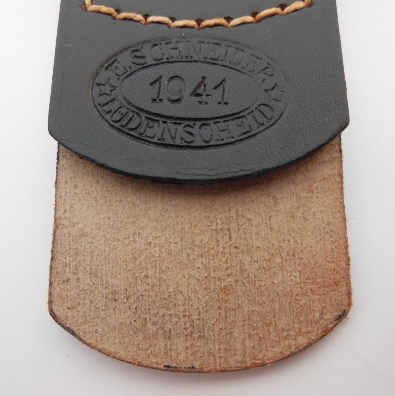 E SCHNEIDER BUCKLE WITH BLACK TAB Dscn9615