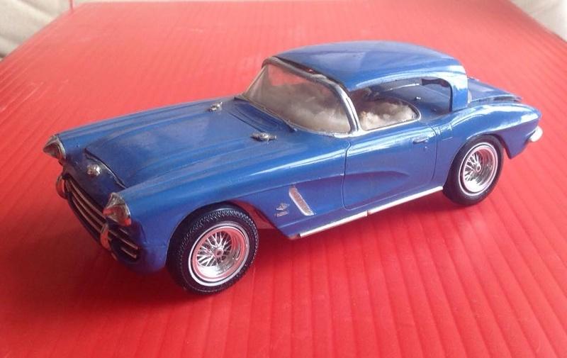 Vintage built automobile model kit survivor - Hot rod et Custom car maquettes montées anciennes - Page 6 12439510