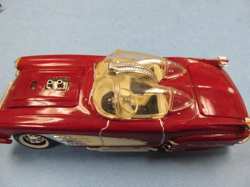 Vintage built automobile model kit survivor - Hot rod et Custom car maquettes montées anciennes - Page 5 12496212