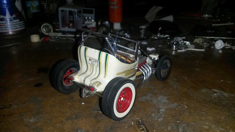 Vintage built automobile model kit survivor - Hot rod et Custom car maquettes montées anciennes - Page 5 12552610