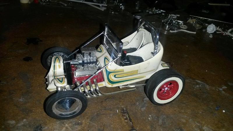 Vintage built automobile model kit survivor - Hot rod et Custom car maquettes montées anciennes - Page 5 12573710