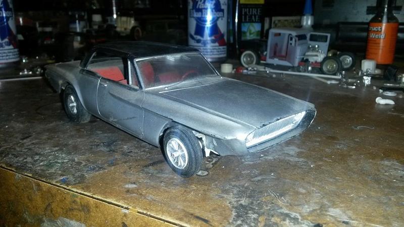 Vintage built automobile model kit survivor - Hot rod et Custom car maquettes montées anciennes - Page 5 12592510