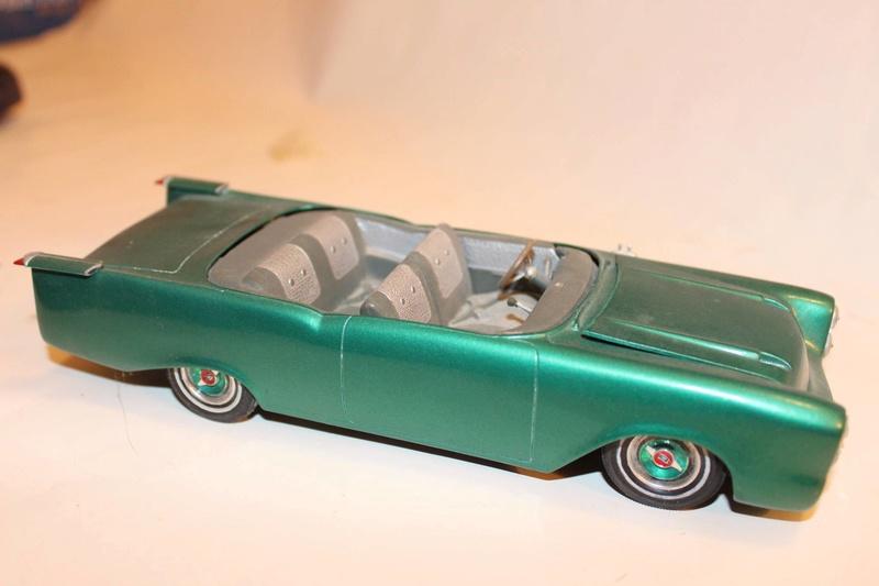 Vintage built automobile model kit survivor - Hot rod et Custom car maquettes montées anciennes - Page 5 12604810