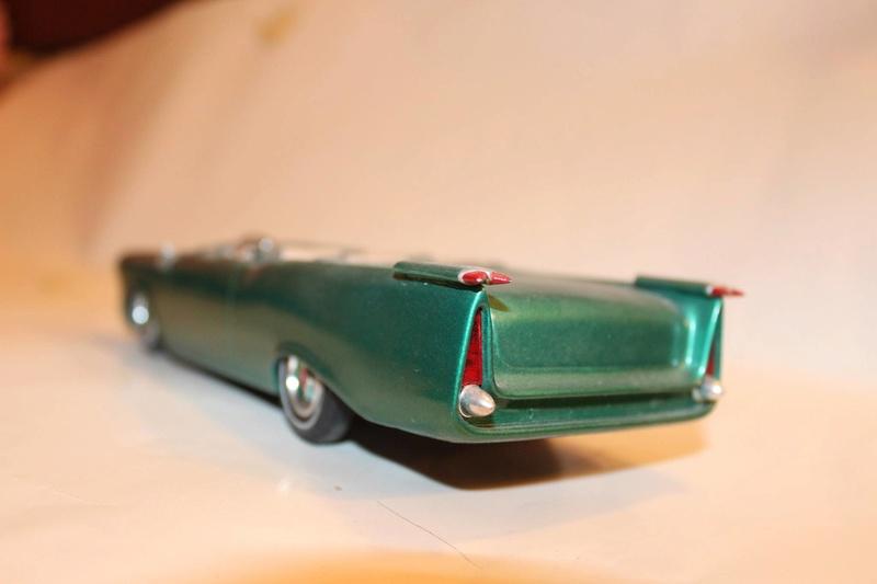 Vintage built automobile model kit survivor - Hot rod et Custom car maquettes montées anciennes - Page 5 12615110
