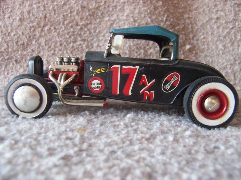 Vintage built automobile model kit survivor - Hot rod et Custom car maquettes montées anciennes - Page 5 12694610