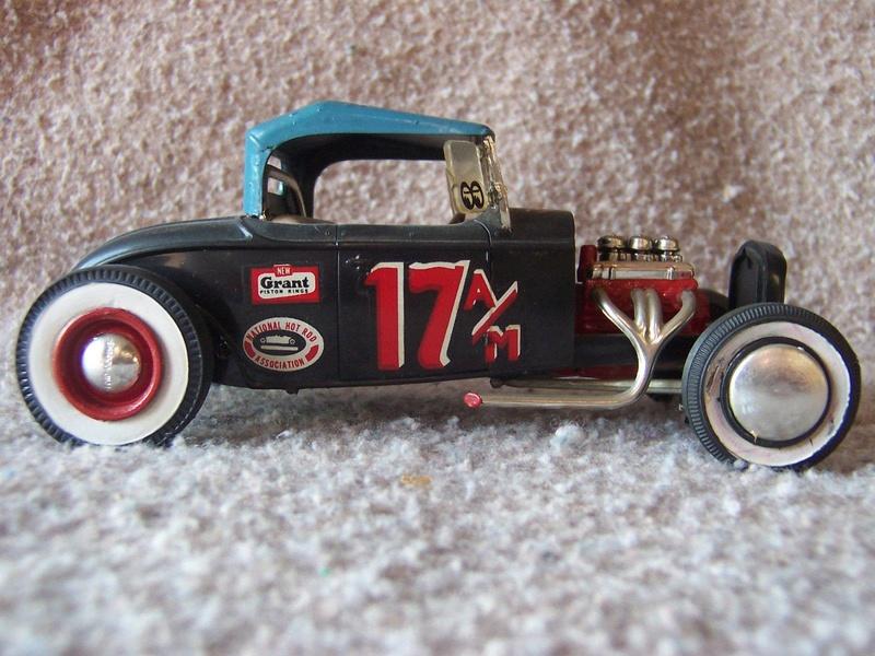 Vintage built automobile model kit survivor - Hot rod et Custom car maquettes montées anciennes - Page 5 12698211