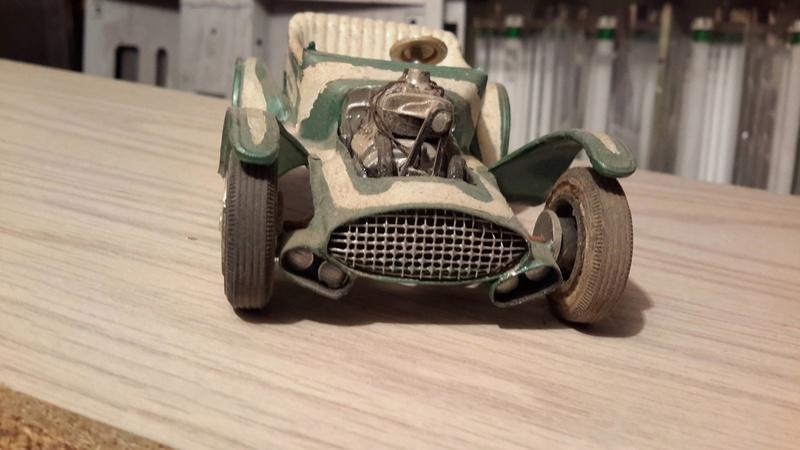 Vintage built automobile model kit survivor - Hot rod et Custom car maquettes montées anciennes - Page 5 12710910