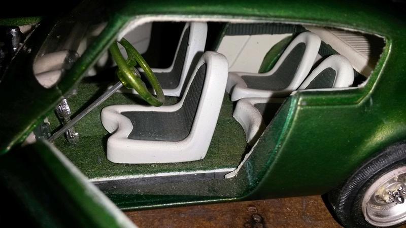 Vintage built automobile model kit survivor - Hot rod et Custom car maquettes montées anciennes - Page 5 12743410