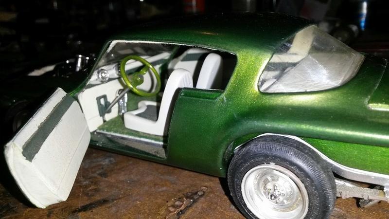Vintage built automobile model kit survivor - Hot rod et Custom car maquettes montées anciennes - Page 5 12745910