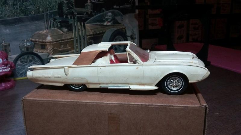 Vintage built automobile model kit survivor - Hot rod et Custom car maquettes montées anciennes - Page 5 13015610