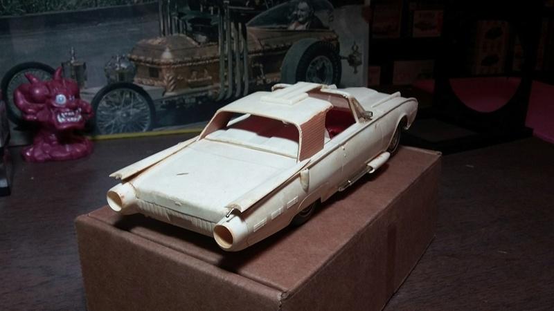 Vintage built automobile model kit survivor - Hot rod et Custom car maquettes montées anciennes - Page 5 13043210