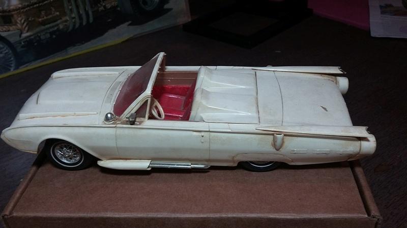 Vintage built automobile model kit survivor - Hot rod et Custom car maquettes montées anciennes - Page 5 13082610