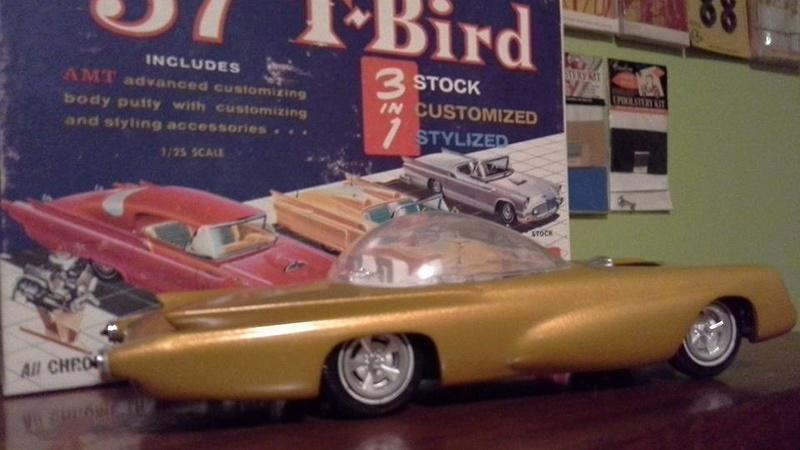Vintage built automobile model kit survivor - Hot rod et Custom car maquettes montées anciennes - Page 6 13891813