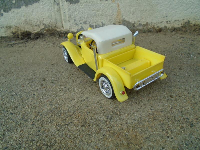 1934 Ford Roadster Pick up - Lindberg Dsc00516