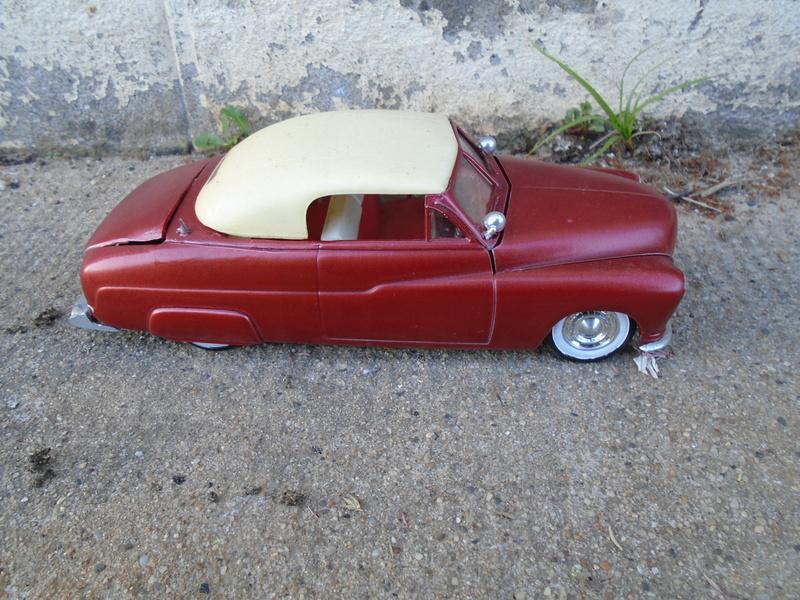 1949 Mercury - Customizing Kit - Trophie series - 3 in 1 - Amt Dsc03332