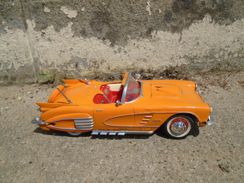 1959 Chevrolet corvette Customizing kit 1/25 scale  Dsc03418