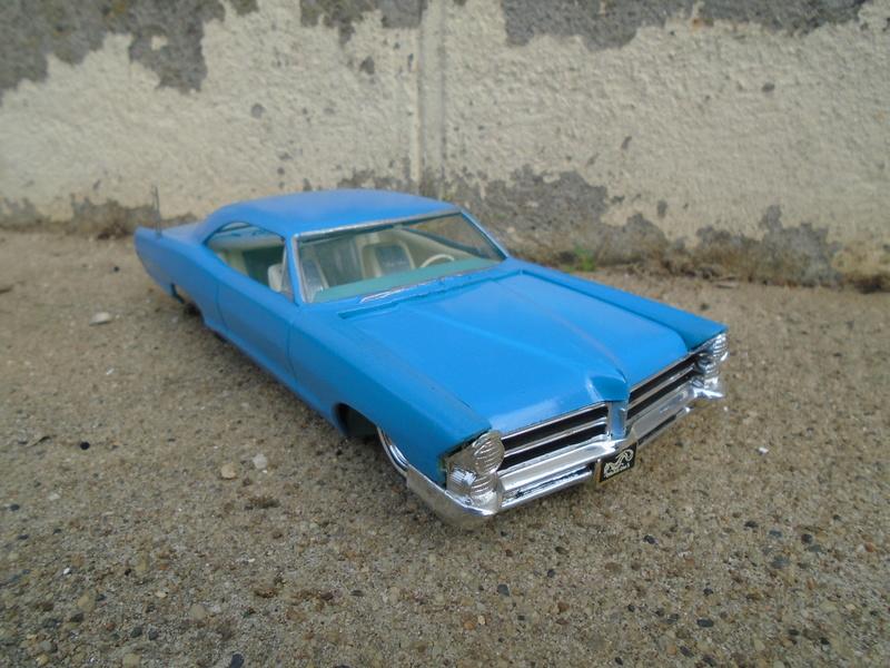 1965 Pontiac Bonneville - Customizing kit - AMT Dsc03623