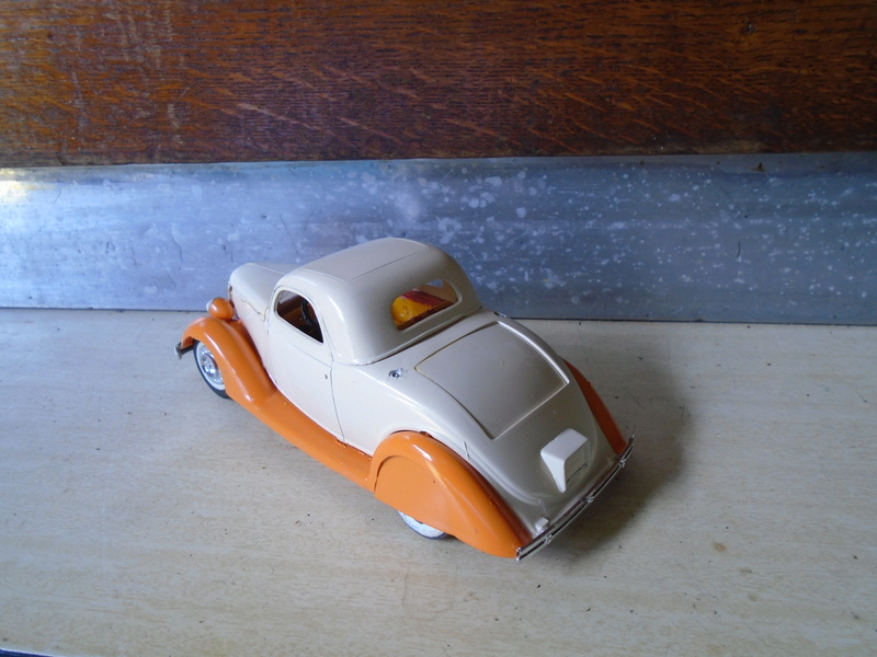 1936 Ford - customizing kit  Dsc03910