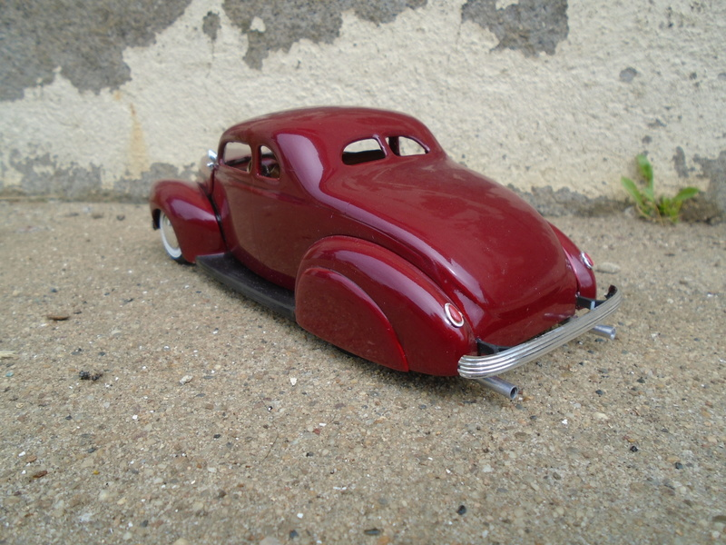1939 - 40 Ford Coupe - Trophy series - amt - 1/24 scale  Dsc04021