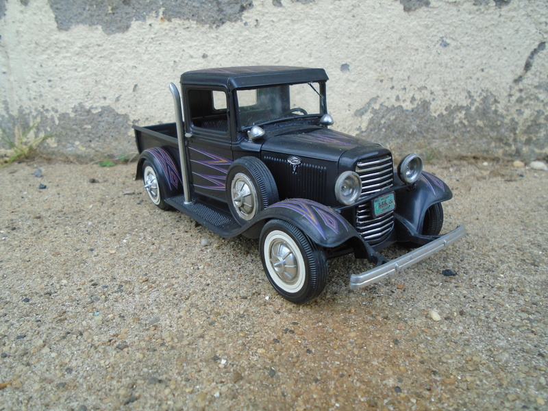 1934 Ford pick up - customizing kit - 3 in 1 - Trophie series - amt Dsc04030