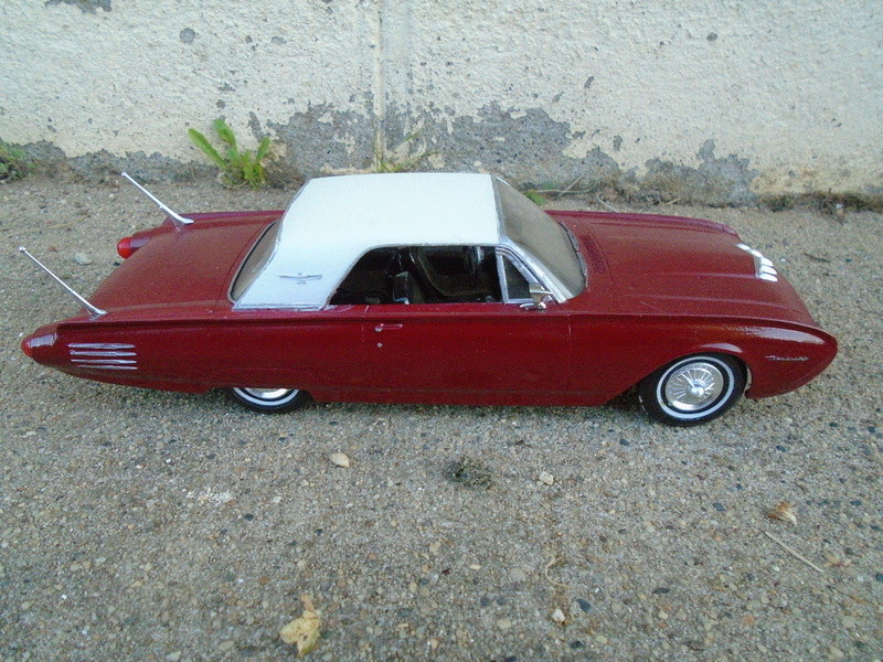 1961 Ford Thunderbird - customizing kit - amt Dsc04075