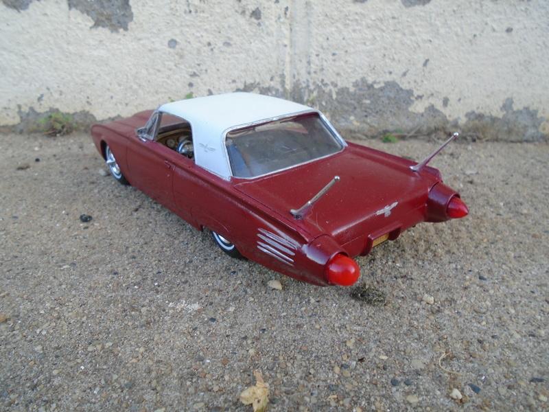 1961 Ford Thunderbird - customizing kit - amt Dsc04077