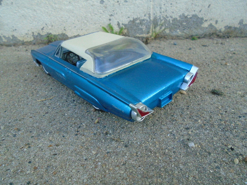 1963 Ford Tbird - Customizing kit - Amt Dsc04079