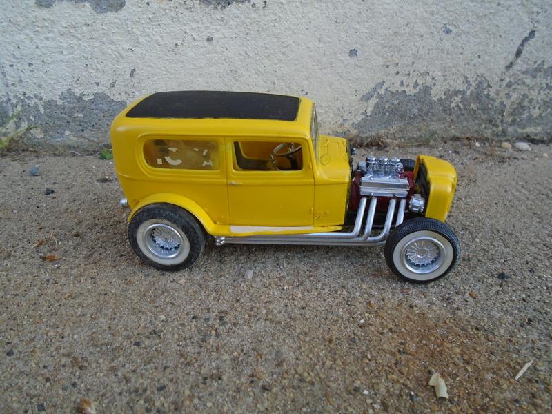 1932 Ford sedan - Amt - 1/25 Dsc04082