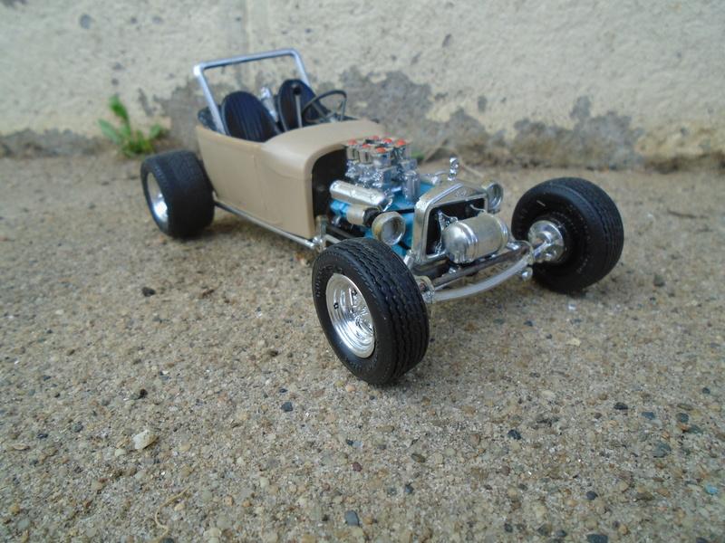 1929 Ford pick up - Ala Kart - show rod George Barris - Amt 1/25 Dsc04093