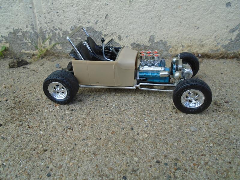 1929 Ford pick up - Ala Kart - show rod George Barris - Amt 1/25 Dsc04094