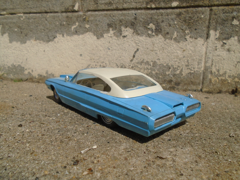 1964 Ford Thunderbird - Customizing kit - amt - 1/25 scale Dsc04267