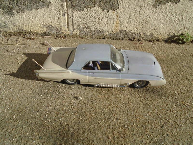 1963 Ford Tbird - Customizing kit - Amt Dsc04278