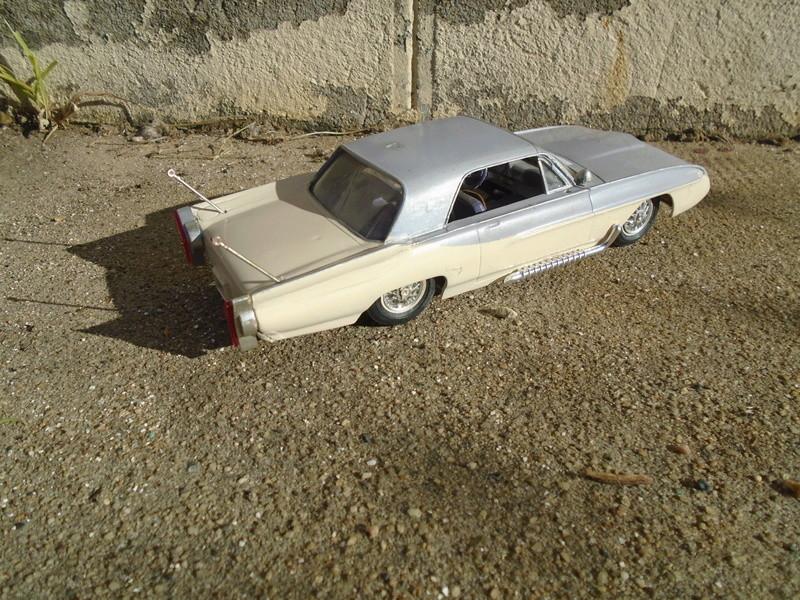 1963 Ford Tbird - Customizing kit - Amt Dsc04279