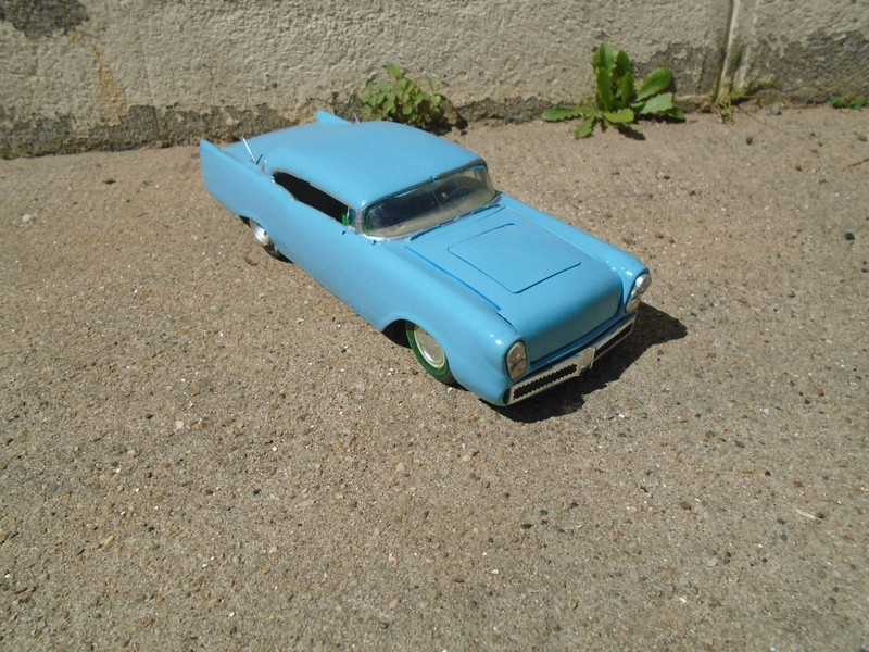 1957  Chevrolet - Customizing kit - trophie series -  amt - 1/25 scale Dsc04317